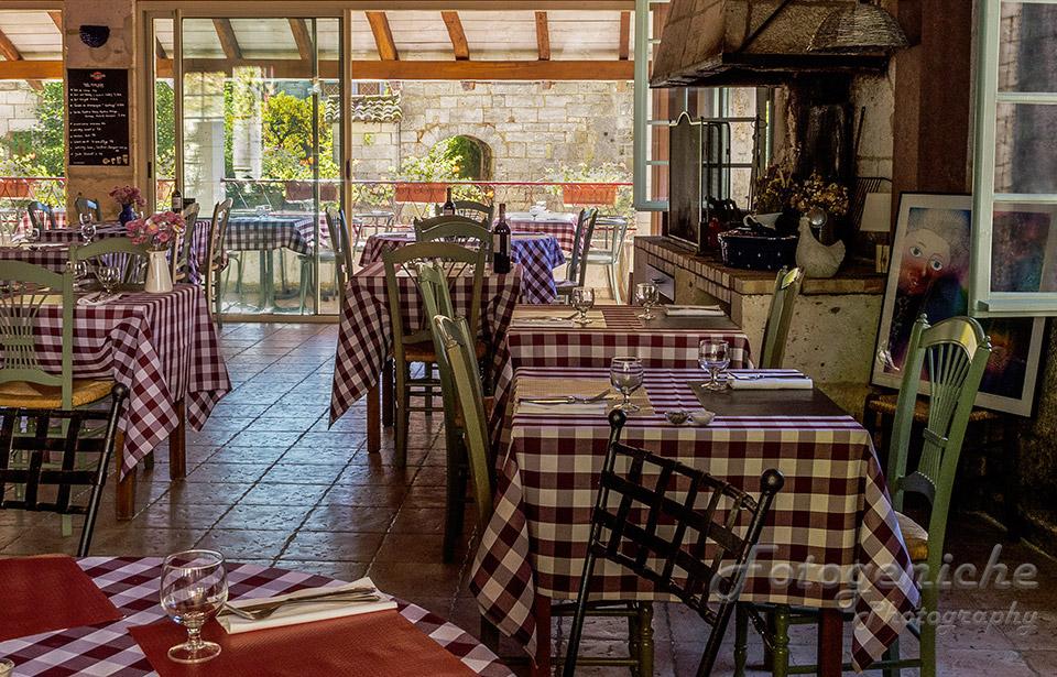 Angouleme Cafe