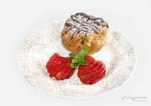 Chaux Bun & Strawberries